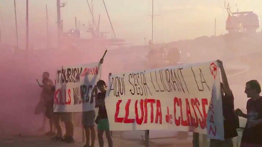 El juicio a los jóvenes de Arran que protestaron contra la masificación turística se celebrará en diciembre