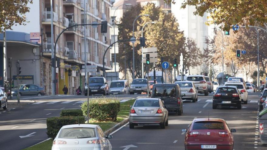 Vehículos circulando por Zamora.