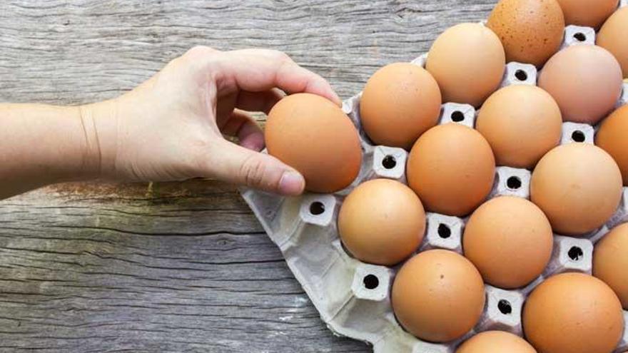 Trucos de cocina: Cómo saber si un huevo está caducado antes de abrirlo