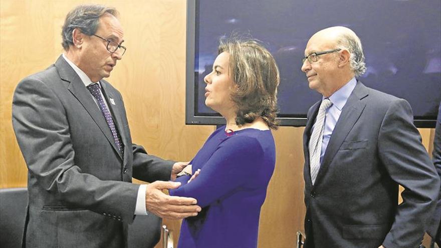 Montoro pide nuevos recortes y el Consell se rebela y exige la mejora de la financiación