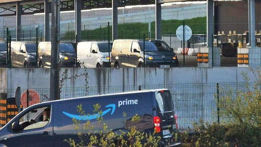 Así es el trabajo de los repartidores de Amazon en centros logísticos como el que abrirán en Alicante