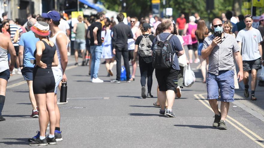 Advertencia al Reino Unido: podría llegar a 100.000 fallecidos