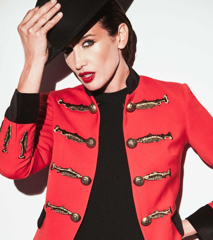 Nieves Álvarez diseña su primera colección de chaquetas