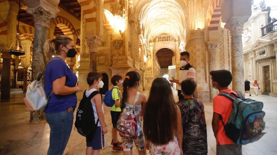 Hasta 2.100 niños han conocido este curso escolar el patrimonio de Córdoba mediante los itinerarios municipales