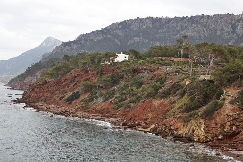 Begegnungen in dem kleinen Küstenort Port des Canonge