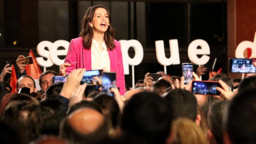 Arrimadas es postula per liderar Cs: «Estic forta i crec que a la vida cal ser valent»