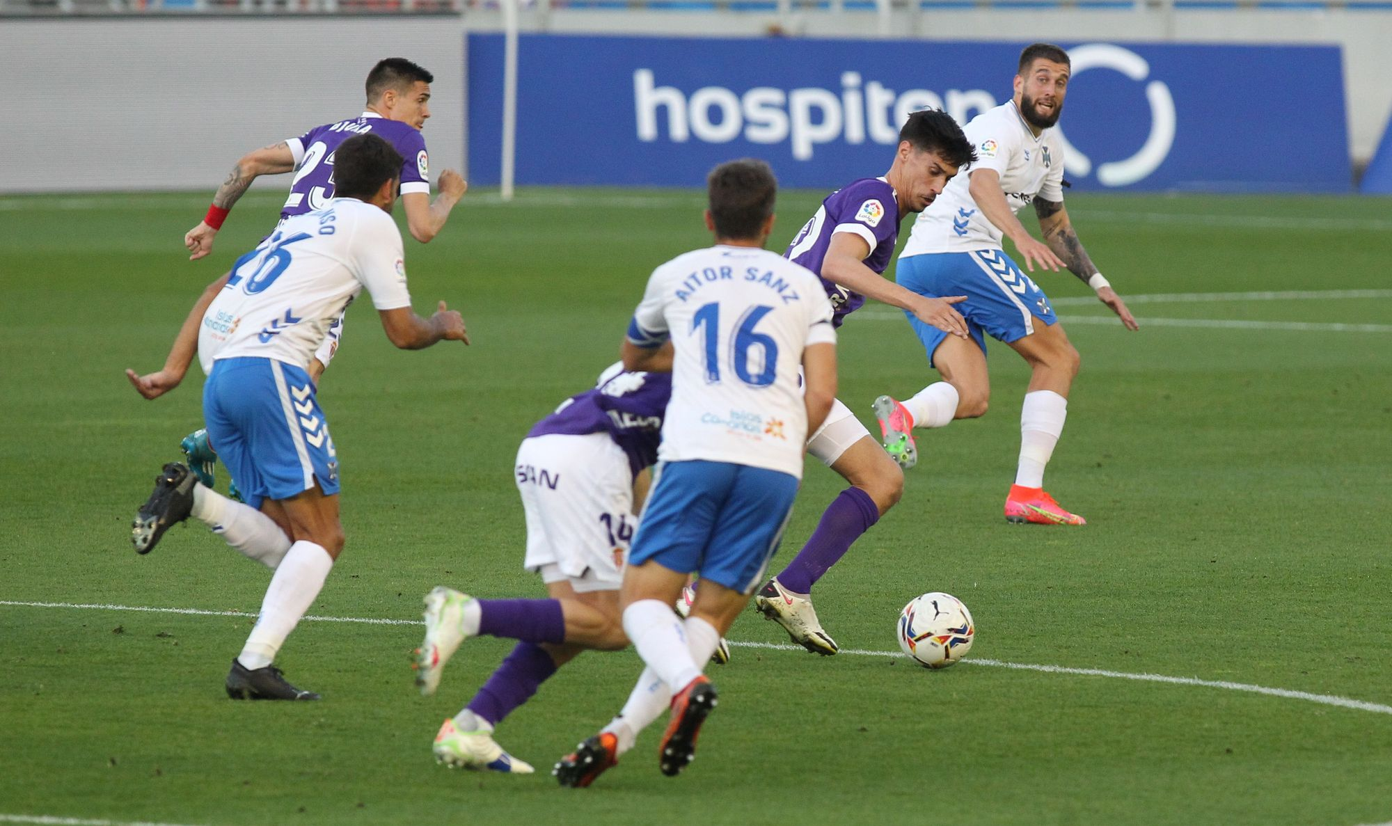 Las imágenes del partido entre el Tenerife y el Sporting (1-0)