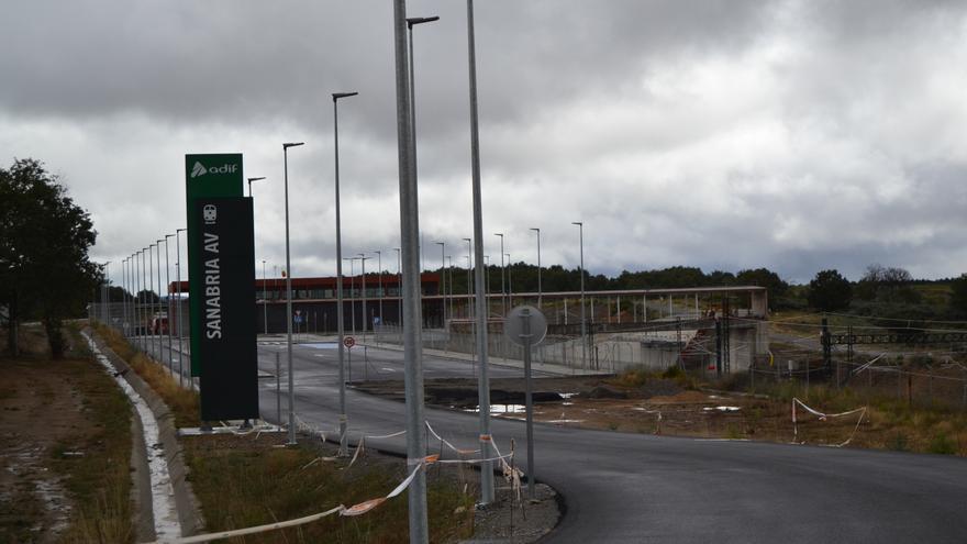 El PP denuncia que el Gobierno no ha acabado la estación del AVE en Sanabria