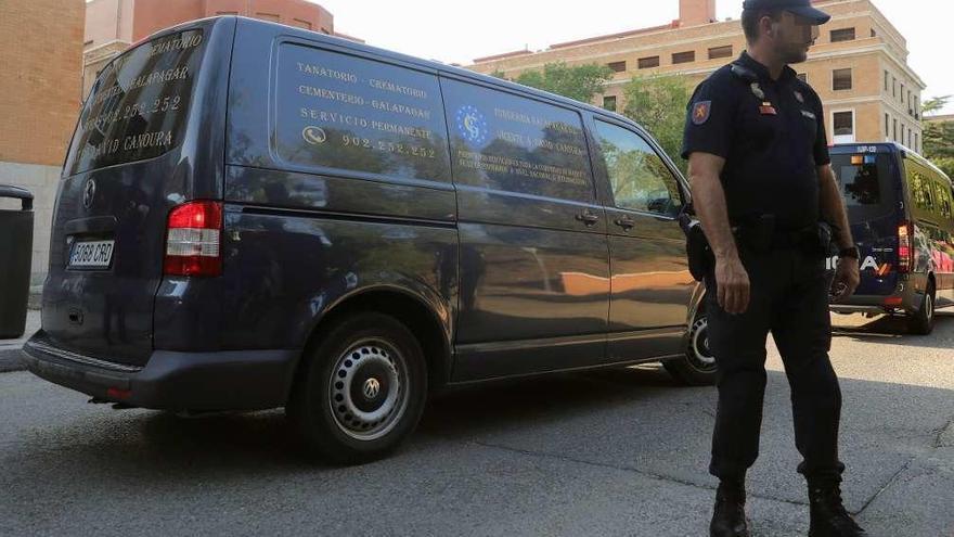 Los agentes hallaron envases vacíos de pastillas junto a Blanca Fernández Ochoa