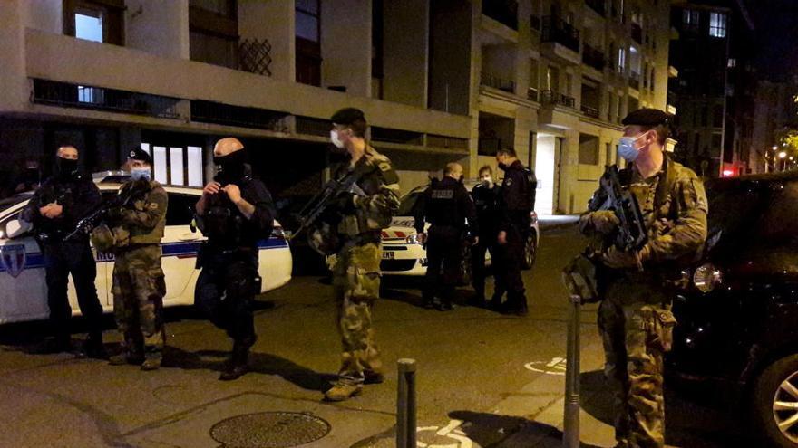 Un sacerdote ortodoxo griego herido por disparos en Lyon
