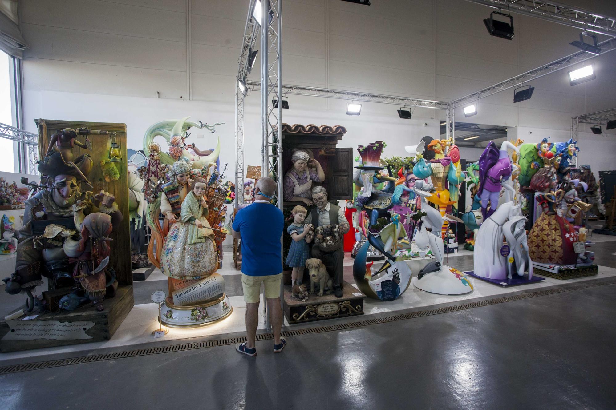 Fallas 2021. La actualidad en una Exposición del Ninot de dos años