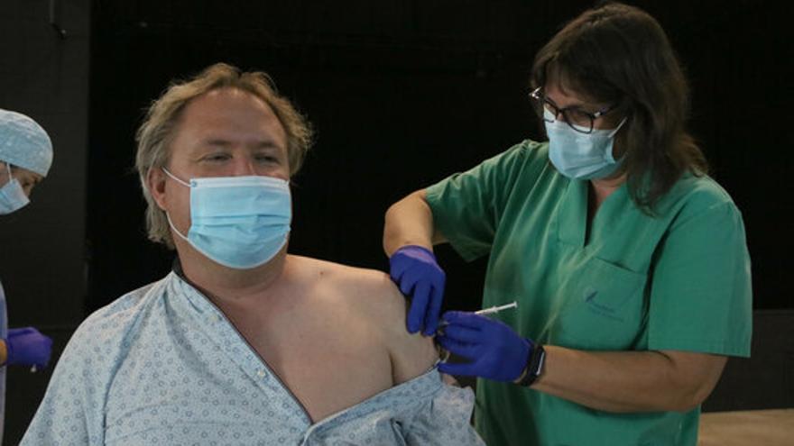Els vacunats amb la pauta completa no hauran de fer quarantena si són contacte estret d'un positiu