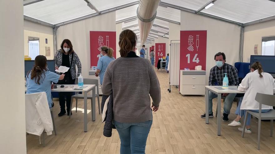La provincia vacunará a 50.079 docentes en cuatro días