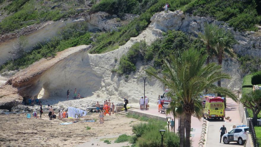 Fallece un buceador de 53 años en la Cala Blanca de Xàbia