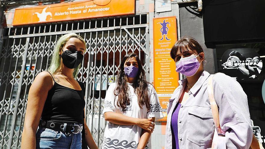 """""""Abierto hasta el amanecer"""" denuncia el retraso sistemático en el cobro de las subvenciones de Gijón: """"No vivimos del aire"""""""