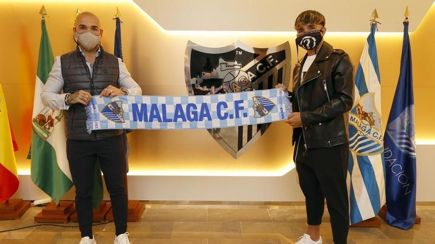 Kevin renueva su contrato con el Málaga CF hasta 2023