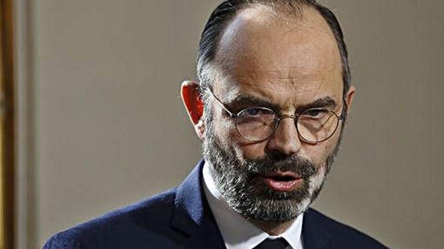 El primer ministro francés propone aplazar a junio la segunda ronda municipal