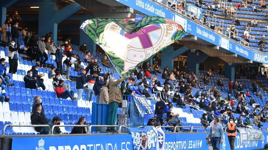 5.000 aficionados apoyan al Dépor en las gradas de Riazor