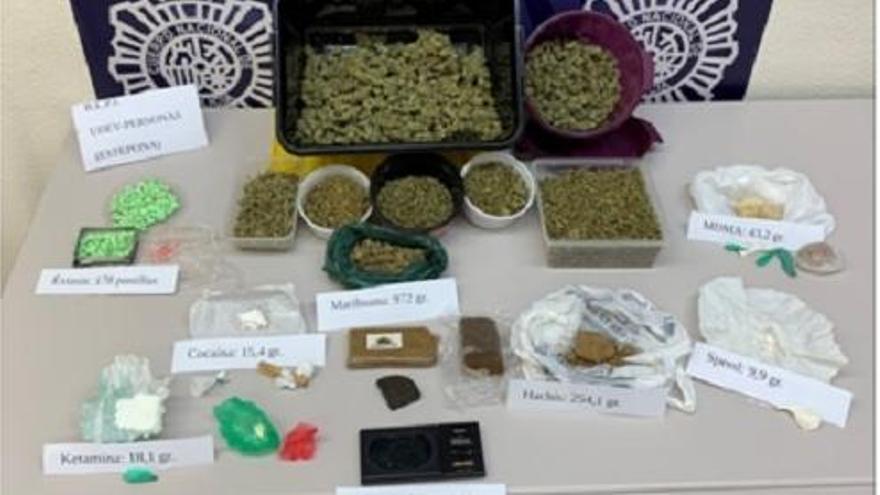 Detenida una limpiadora que vendía drogas a domicilio en Estepona