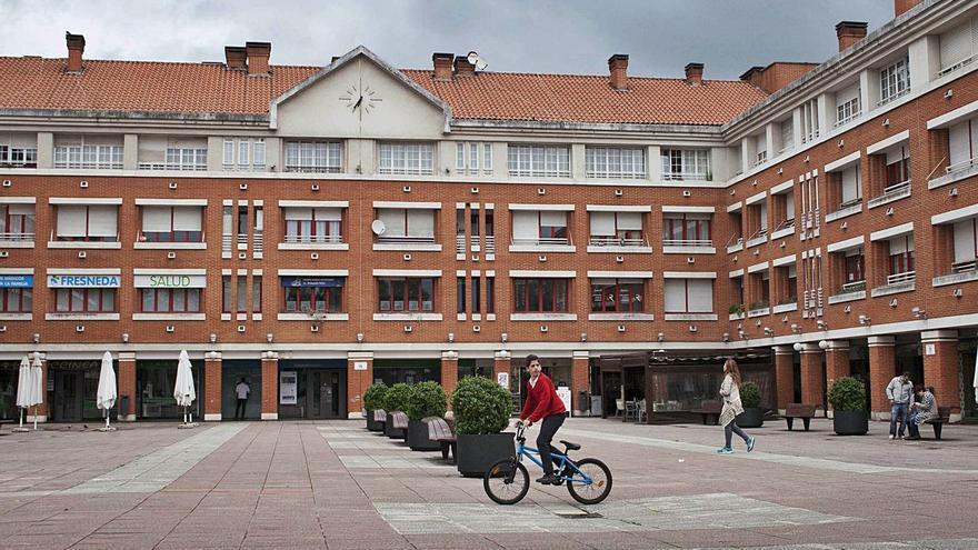 Siero plantea al equipo redactor del nuevo plan urbano que La Fresneda pueda seguir creciendo