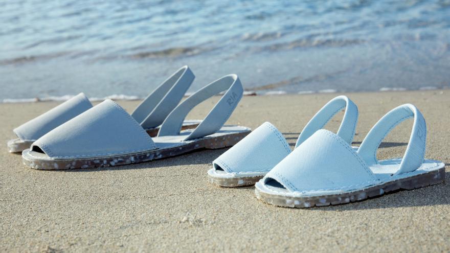 El calzado del verano: abarcas de Menorca hechas de plástico reciclado
