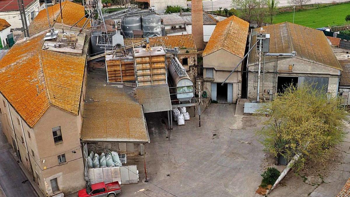 Vista de la Cooperativa Agricola de Banyoles.