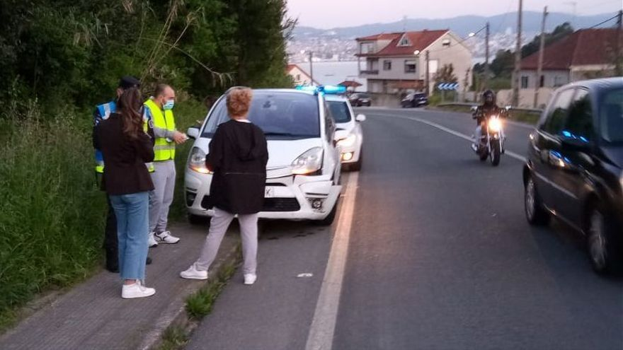 Un jabalí provoca un accidente de tráfico en A Pandiña