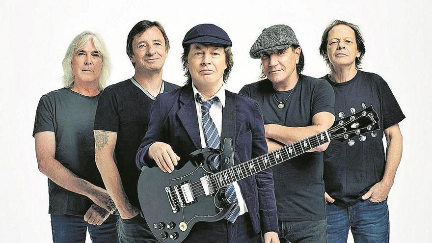 AC/DC planta cara a los nuevos tiempos con 'Power up'