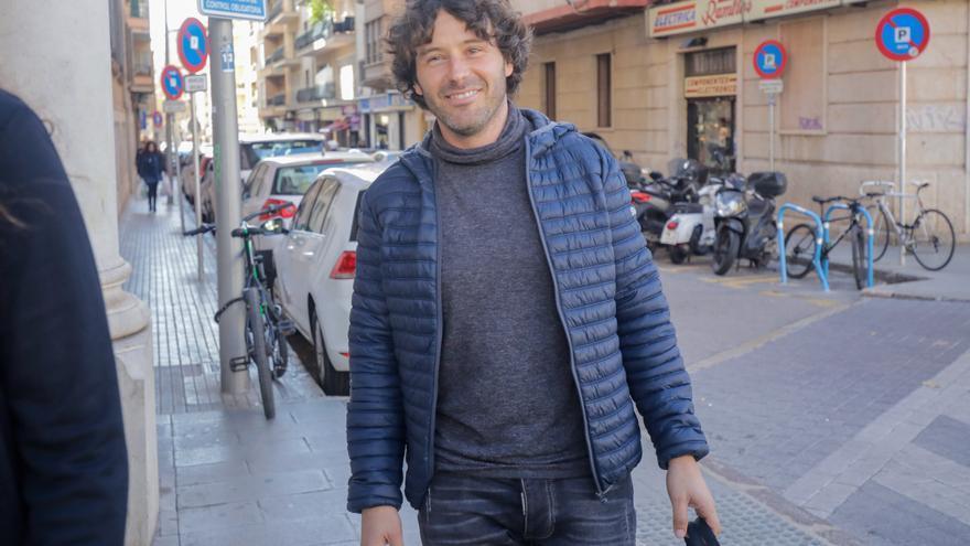 «Jaume, me han invitado a un contrato en Baleares [...] Ilumíname, que luego tendrás que venir a buscarme al trullo»