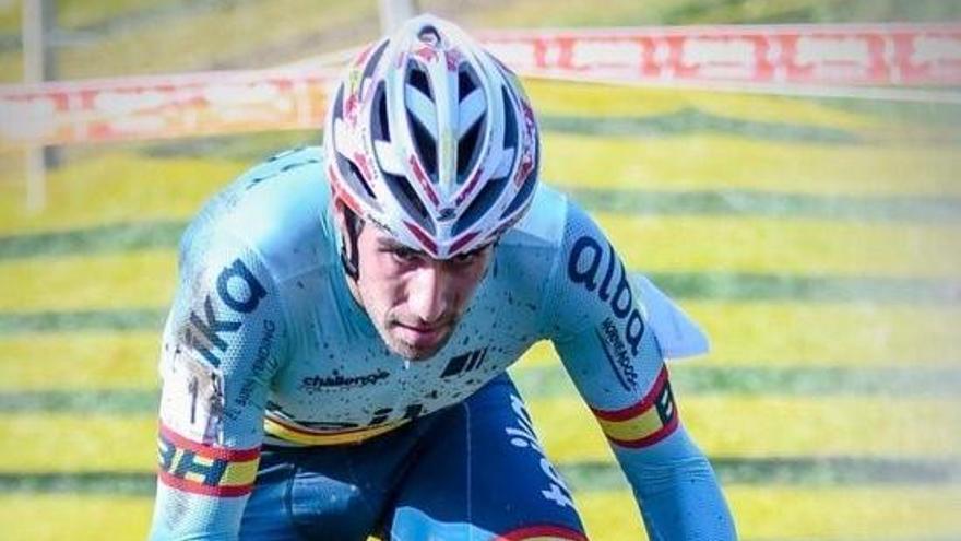 Felipe Orts termina quinto en Suiza y colidera la EKZ CrossTour