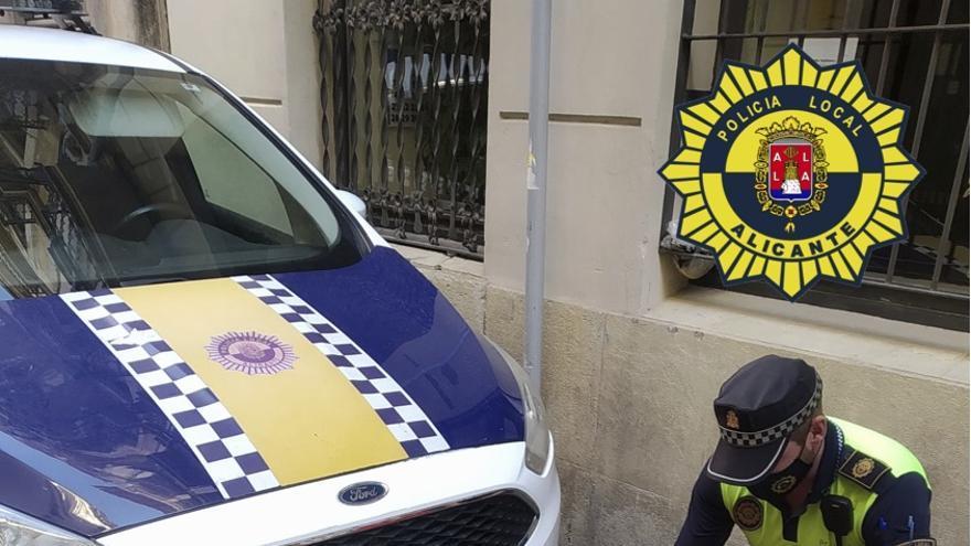 La Policia Local decomisa 110 kilos de fruta y ajos por venta ambulante ilegal en Alicante