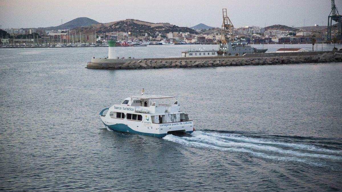 Paseos en barco con música en directo para contemplar la puesta de sol