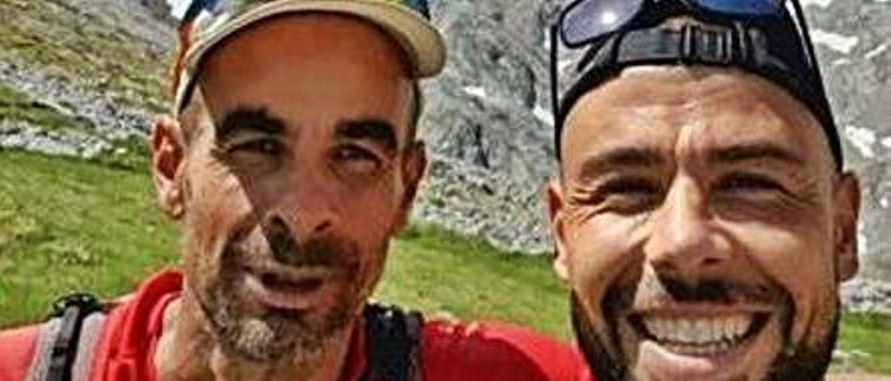 Mario Cotelo y Javi Fuego, en los  Picos de Europa. | @Javifuego18