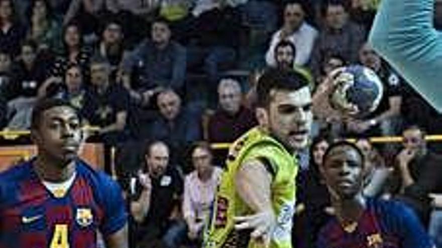 El Barça B sigue sin ganar al BM Zamora
