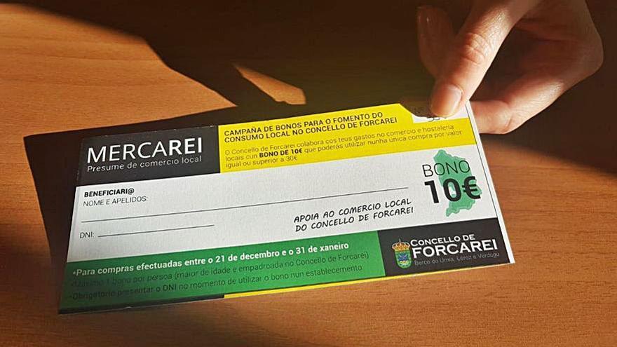 Forcarei reparte los 500 bonos navideños de 10 euros y amplía el plazo para gastarlos