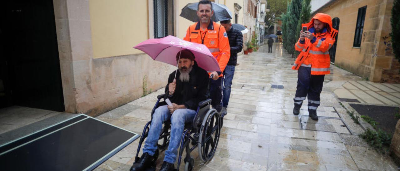 Elecciones Generales en Baleares: A votar en ambulancia
