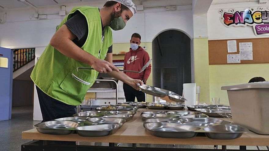 El Consell concedeix 3.076 beques de menjador escolar per a aquest curs