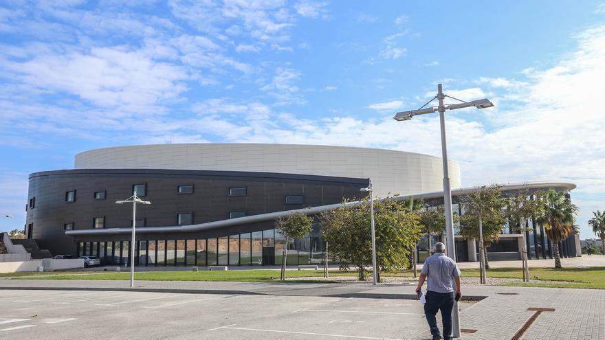 Torrevieja gastará 2,5 millones al año en externalizar la gestión del Auditorio Internacional  y el Teatro Municipal