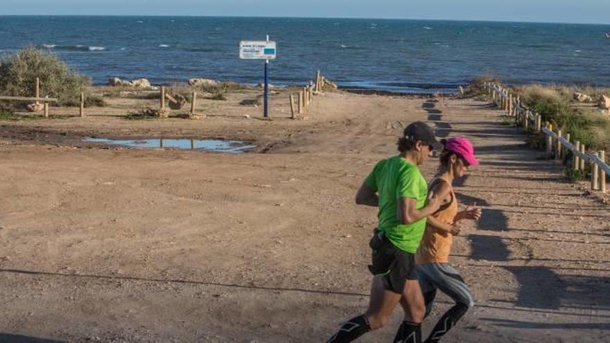 Santa Pola propone tener socorristas en dos playas naturales