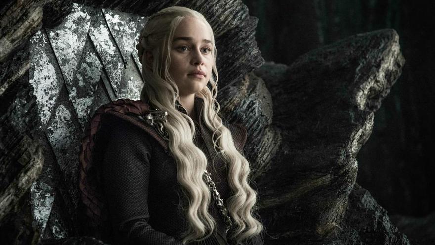 Así luciría Daenerys en Juego de Tronos si fuera como en los libros