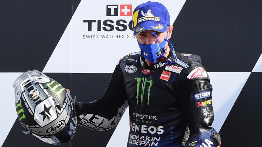 Bagnaia entrega en bandeja la victoria a Viñales en MotoGP