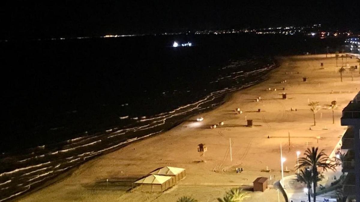 Una noche de San Juan apagada y silenciosa