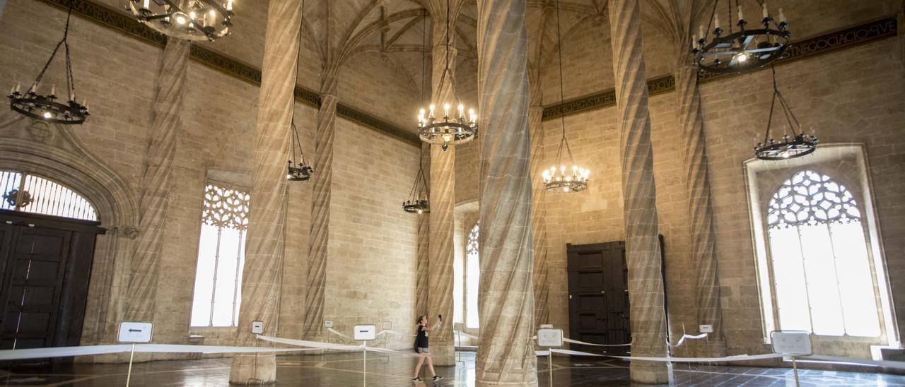 Sala de las columnas en la Lonja de València