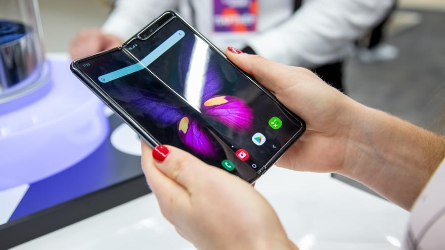 Samsung permite probar o alquilar sus móviles plegables en España