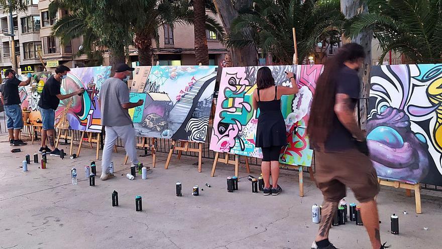 Més Que Murs también colorea el  Casal Jove