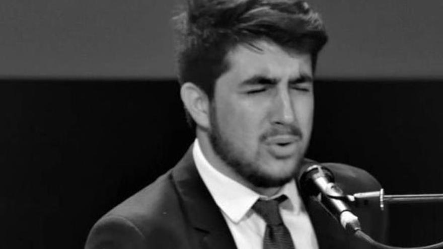 'Bésame', primer single del cantaorde Puente Genil, Álvaro Martín