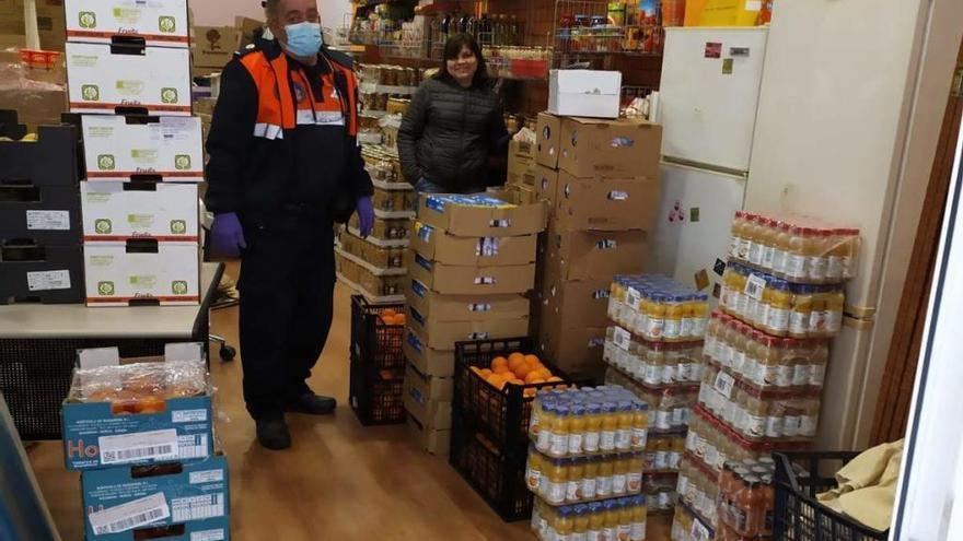 Protección Civil de Burjassot recoge una donación alimentaria de McDonald