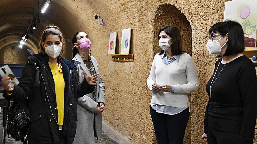 La ONCE visita el «Museu  de la Rajoleria» de Paiporta para mejorar la accesibilidad