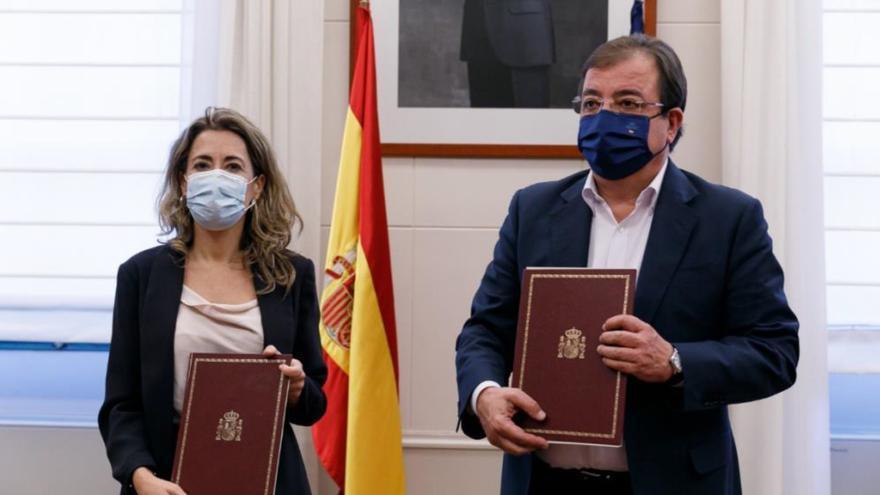Firmado el acuerdo de cesión de Martín Palomino a la Junta para las obras