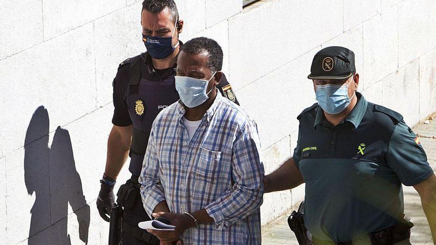 Las vacaciones de dos policías retrasan el juicio contra tres acusados de narcotráfico